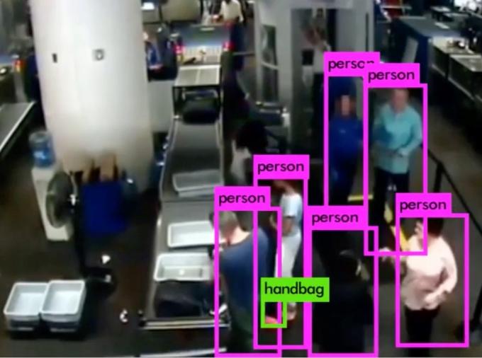 인공지능 결합된 CCTV 나왔다