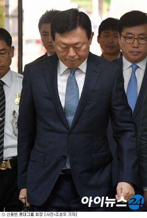 ''엎친데 덮친'' 뉴 롯데…신동빈, 징역 4년 구형