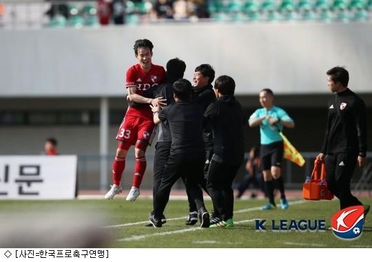 김문환 결승골 부산, 안양 꺾고 1위 점프