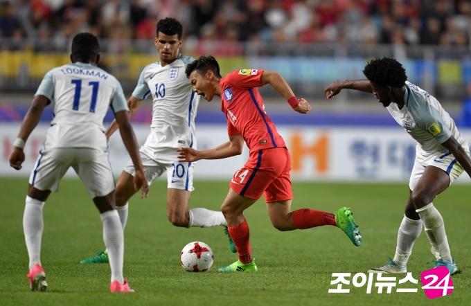 한국, 잉글랜드에 석패… 조2위 16강 진출