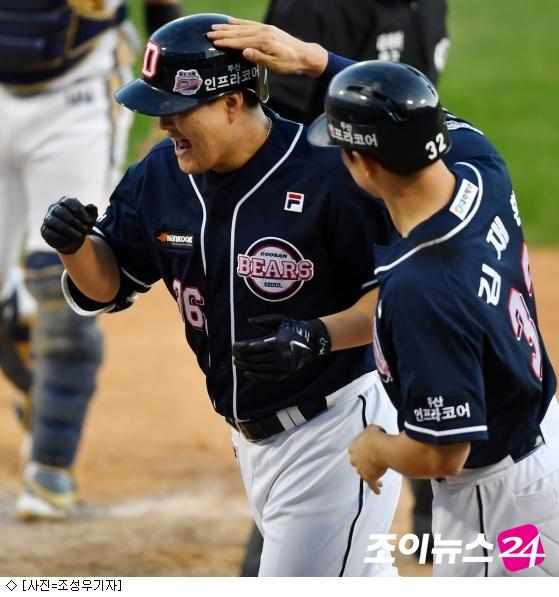 '오재일 홈런 4방' 두산, 3년 연속 KS 진출